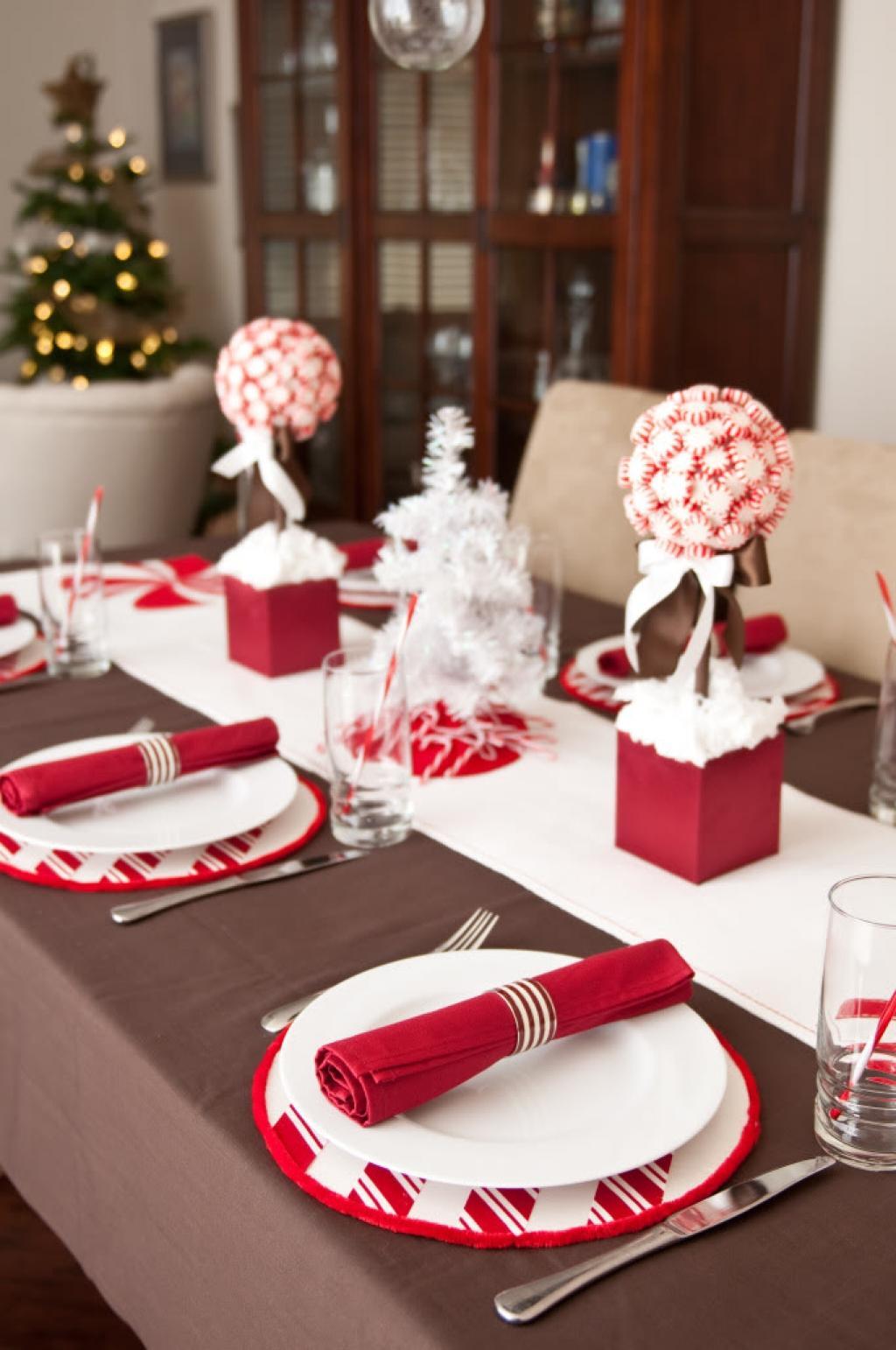 Photo Decoration Table De Noel Amazing With Photo Decoration  # Deco Des Table Tv En Rouge Et Blanc