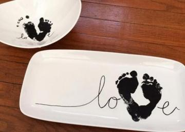 Offrez les empreintes de votre bébé ou de votre bambin en cadeau! Une idée tellement touchante!