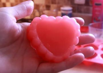 Offrez des savons gel de douche pour la Saint-Valentin! Une recette trop cool à réaliser!