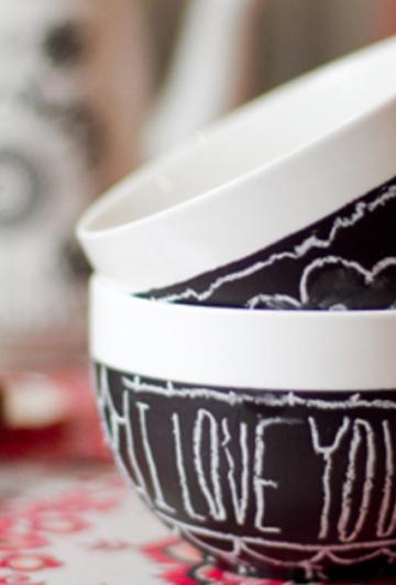 Transformez une tasse ou un bol à café en cadeau génial juste à temps pour la St-Valentin!