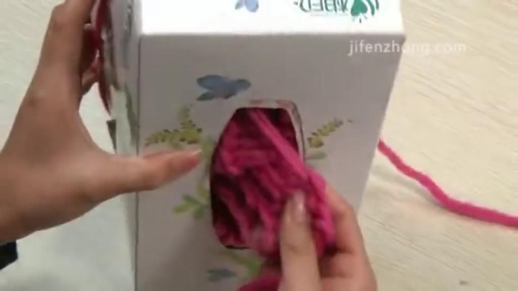 tricoter une echarpe avec une boite de mouchoir