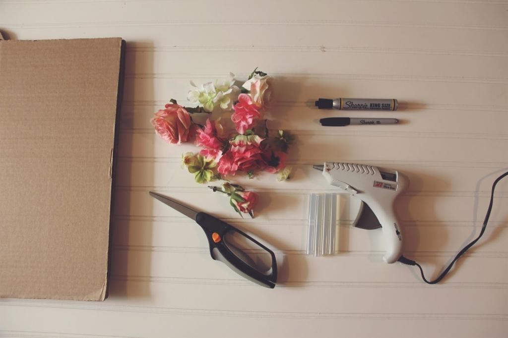 bricoler une déco romantique avec des fleurs artificielles