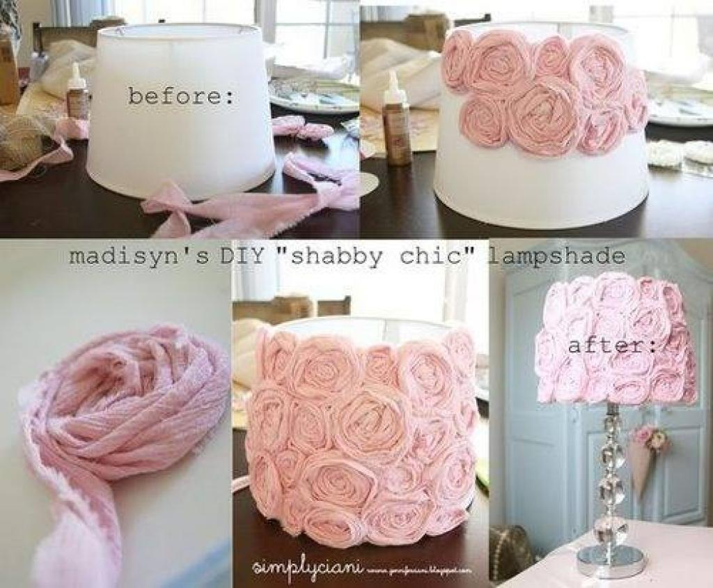 transformer un abat-jour avec du tissu recyclé ou des fleurs
