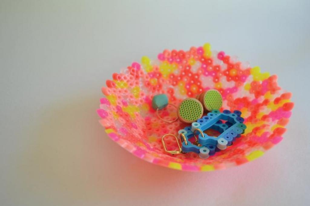 Faites Fondre Des Perles De Plastique Pour Bricoler De Belles