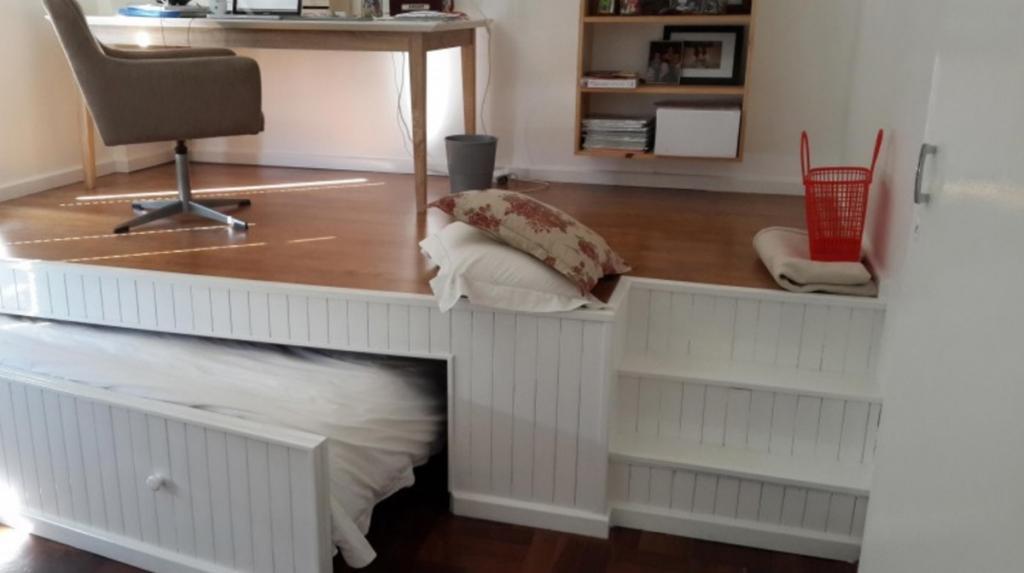 Il voulait un espace bureau, mais sans sacrifier la chambre d\'amis ...