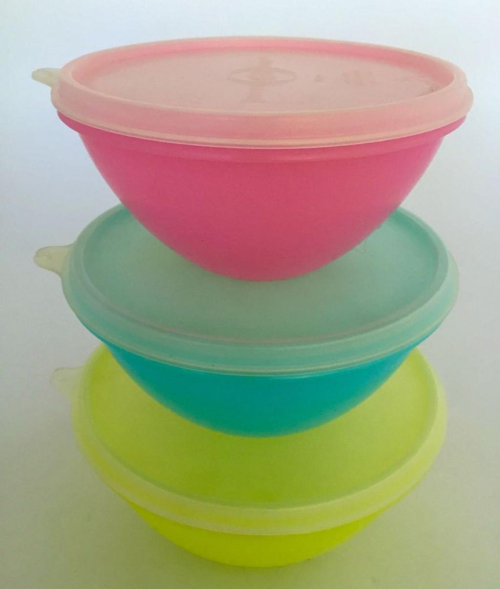Saviez-vous que vos vieux plats Tupperware peuvent valoir une petite fortune?