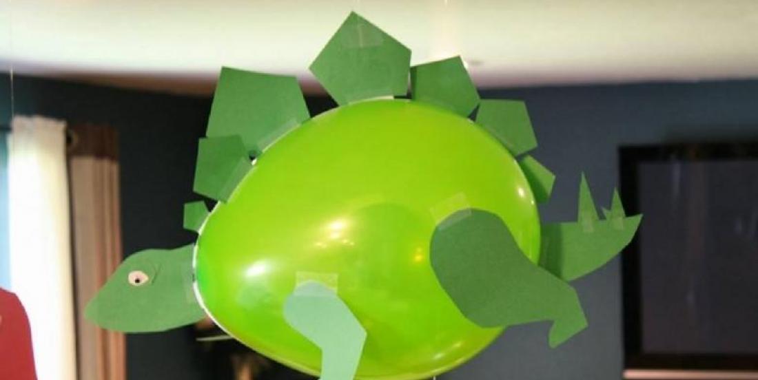 Utilisez du carton pour décorer des ballons Dinosaures! 5 MODÈLES À VOIR!