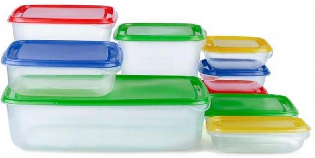 Fini les tupperwares tachés! 3 astuces infaillibles pour les nettoyer à fond!