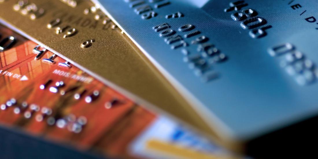 Dès le 1er août prochain, de nouvelles règles concernant le paiement des cartes de crédit seront applicables.