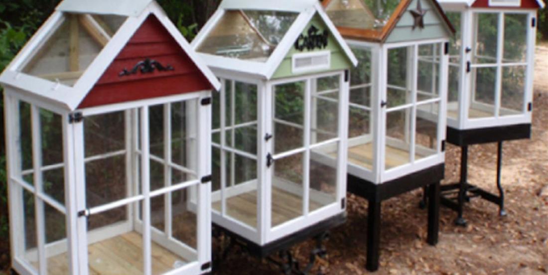 La façon la plus simple de construire une serre miniature avec d'anciennes fenêtres