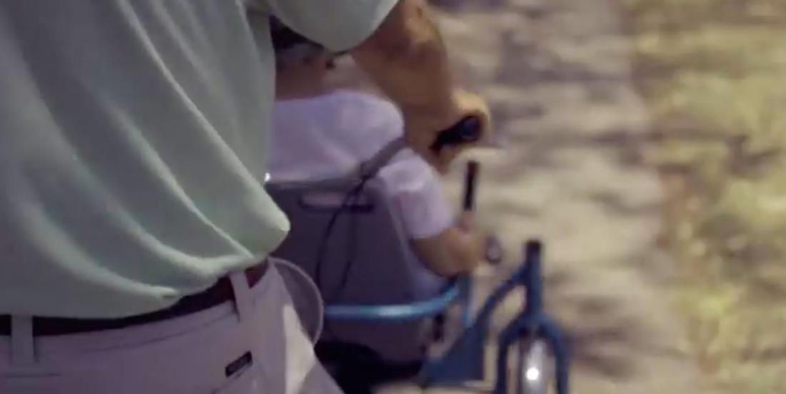 Il fabrique un vélo spécial pour amener son épouse atteinte d'Alzheimer en balade