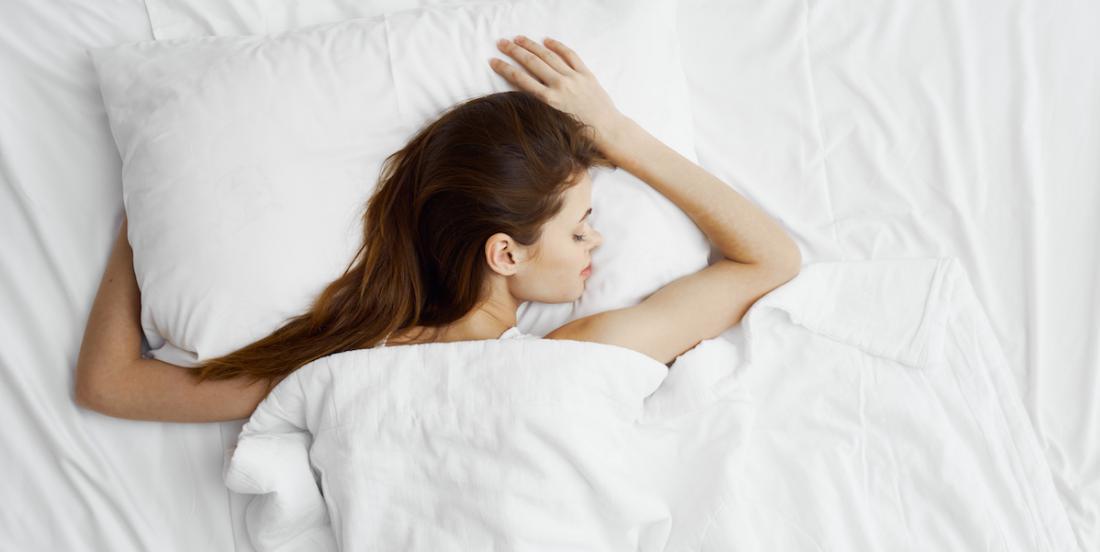 Pourquoi ne faut-il  pas dormir sans couverture, même lors d'une nuit chaude