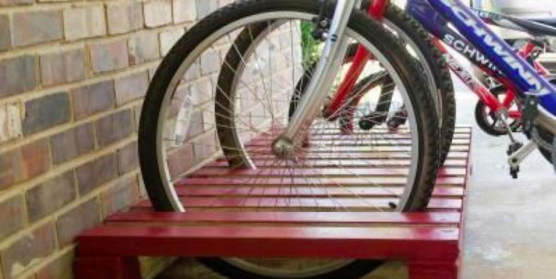 Des supports à vélo en bois de palettes, quelle belle idée! ( 7 modèles)