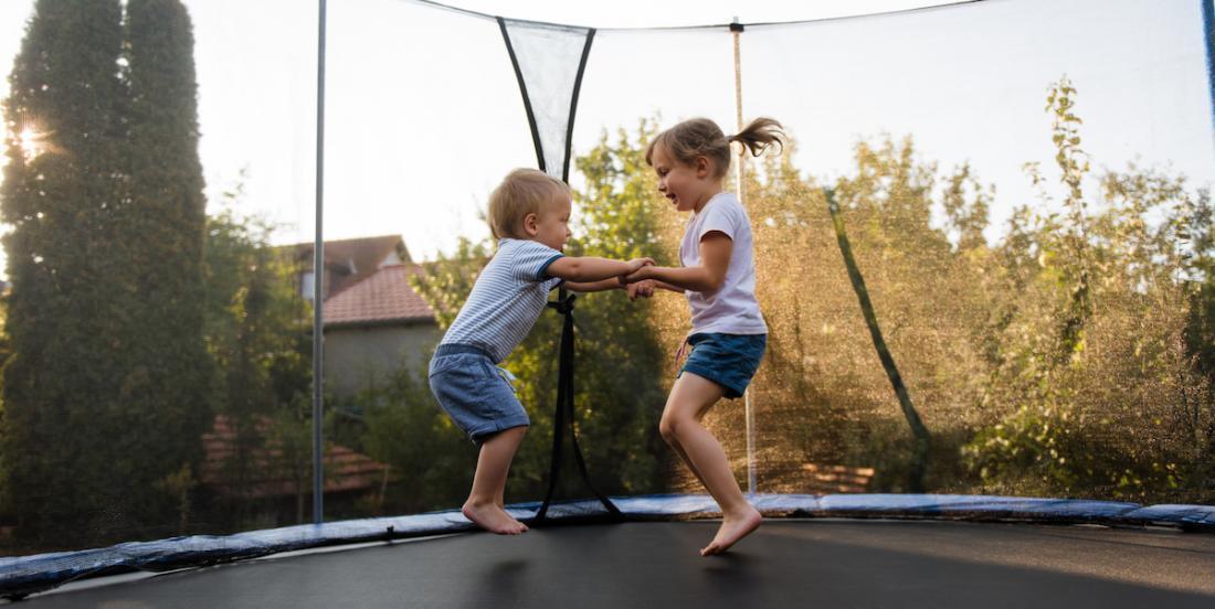 Des médecins sonnent (encore) l'alarme au sujet des trampolines