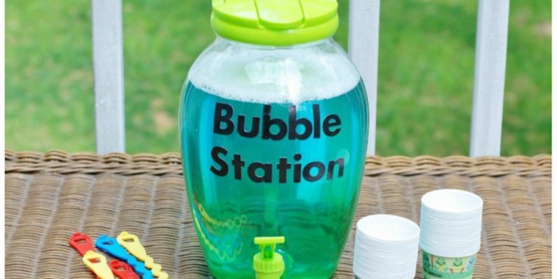 Belle idée pour les enfants cet été: une station de bulles!