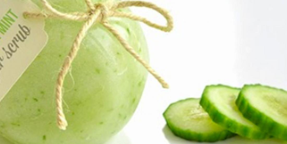 Chouchoutez-vous avec ce gommage au sucre à la menthe et au concombre fait maison