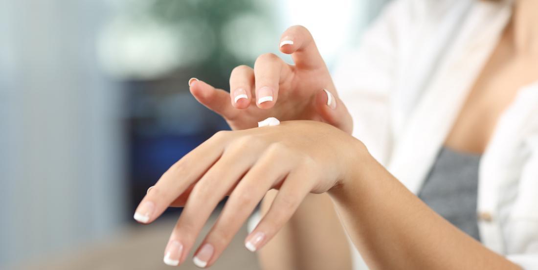 6 remèdes DIY pour les mains sèches et abîmées