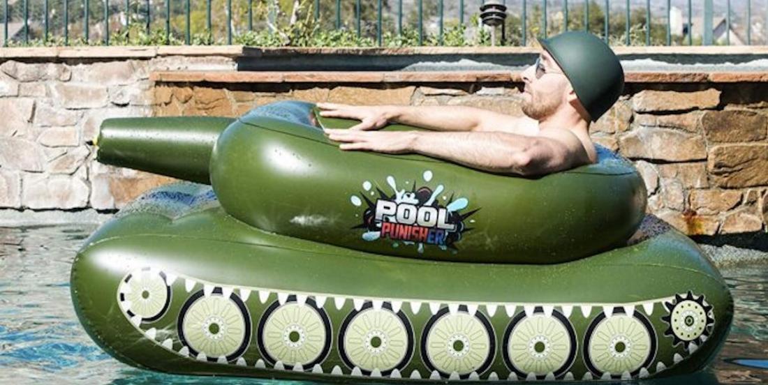 Le jouet de piscine de l'été 2021: le tank gonflable
