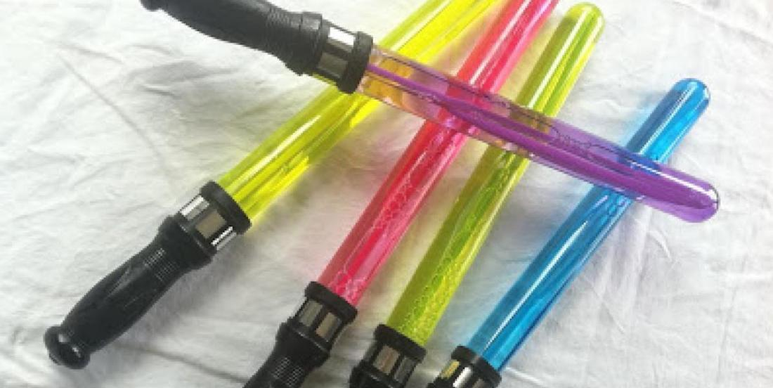 10 façons de créer un sabre laser pour un enfant