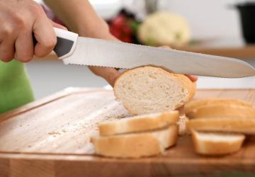 Une astuce infaillible et franchement étonnante pour garder le pain frais!
