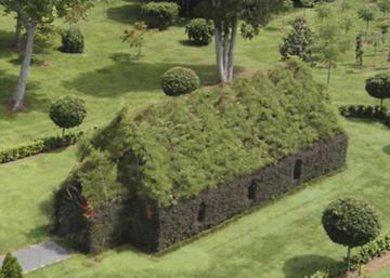 Un homme met 4 ans à construire une église entièrement faite d'arbres vivants. Voyez l'intérieur, c'est impressionnant!
