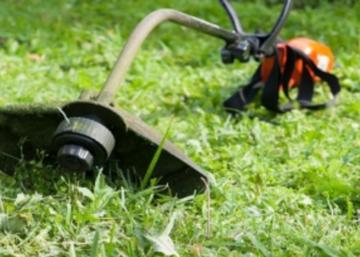 Plus jamais vous ne serez pris au dépourvu avec le fil du coupe-herbe brisé, grâce à cette astuce vraiment trop géniale!