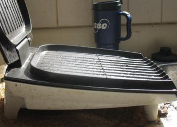 Comment nettoyer un grill électrique sans abimer l'anti-adhésif!