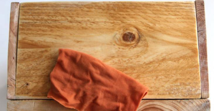 Transférez une photo sur du bois sans matériel spécialisé: vous n'aurez besoin que de papier ciré!