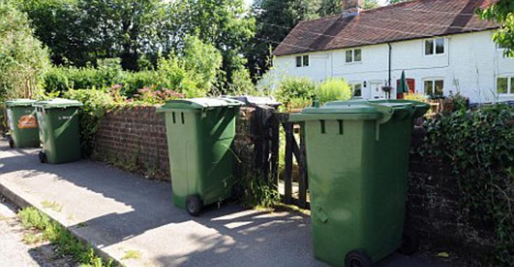 Personne n'aime voir les ordures déguiser le beau décor de son jardin! Voici 5 bonnes idées, pour les camoufler!