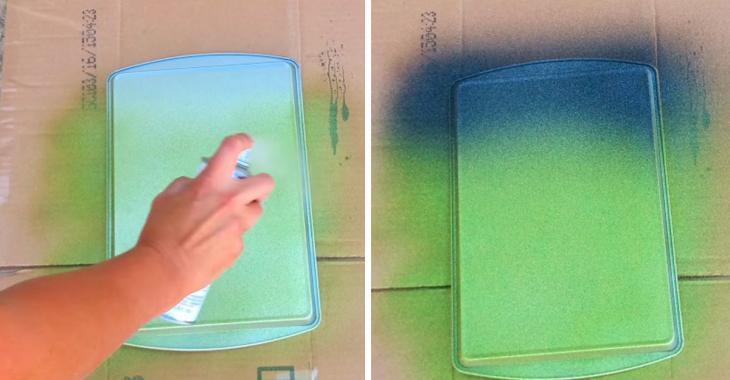 Sa vielle plaque à biscuits était tordue et très usée! Avec de la peinture elle la retape d'une manière surprenante!