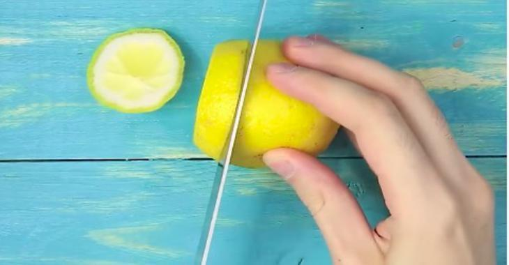 Conservez toujours vos citrons frais, une fois qu'il sont coupés! C'est cool comme astuce!