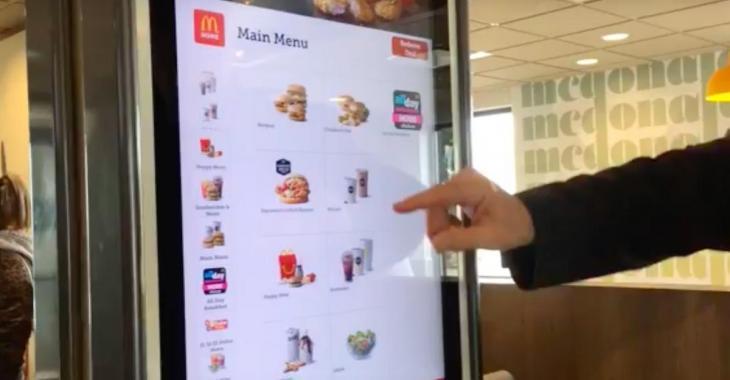 Une enquête révèle la présence d'excréments sur les écrans tactiles des restaurants Mc Donald.