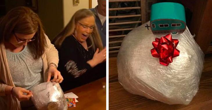 La boule de Noël emballée! Voici le jeu qui fera fureur cette année dans votre famille!
