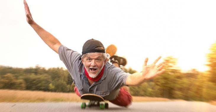 Selon une enquête, les hommes deviennent matures à l'âge de 43 ans!