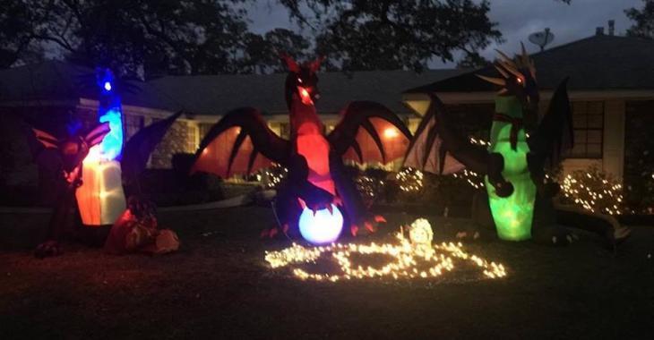 Une dame qui a des dragons décoratifs sur son terrain, reçoit une lettre anonyme de certains de ses voisins. Sa réaction est parfaite!