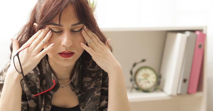 7 erreurs alimentaires qui peuvent déclencher des maux de tête et des migraines sévères