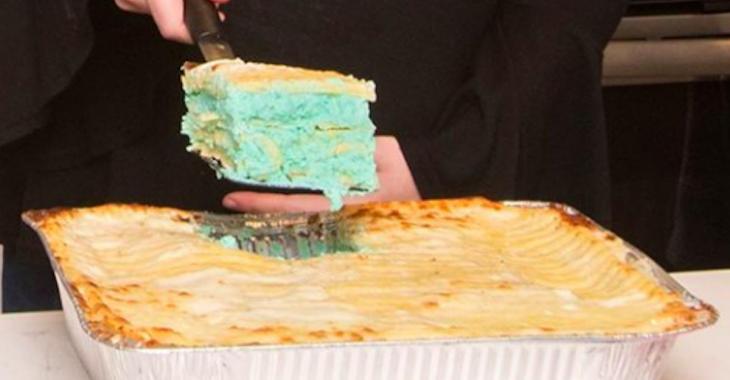Oubliez les gâteaux pour révéler le sexe du bébé à venir. Place aux lasagnes!