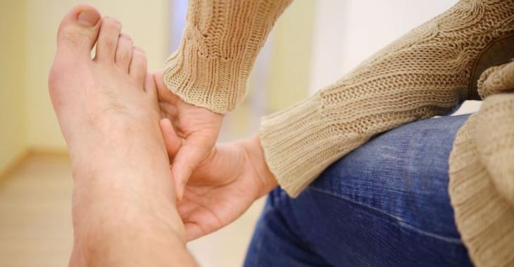 7 astuces pour en finir avec les jambes et les pieds qui enflentt