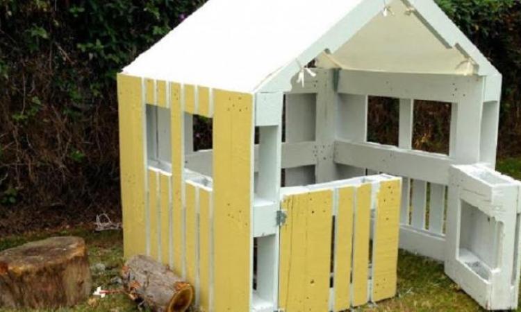 Construire Une Maison Pour Enfant, à Partir De Palettes De Bois!    Bricolages   Trucs Et Bricolages