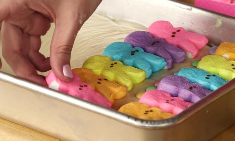 Transformer une boite de préparation pour gâteau, en un super dessert pour Pâques!